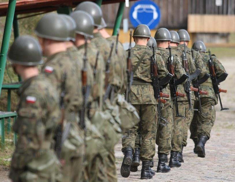 Żołnierze dostaną nowe mundury /Michal Dyjuk /Reporter