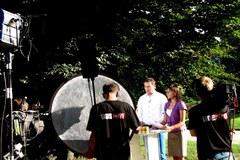 Żółto-niebieski wóz satelitarny RMF FM zawitał do Łańcuta