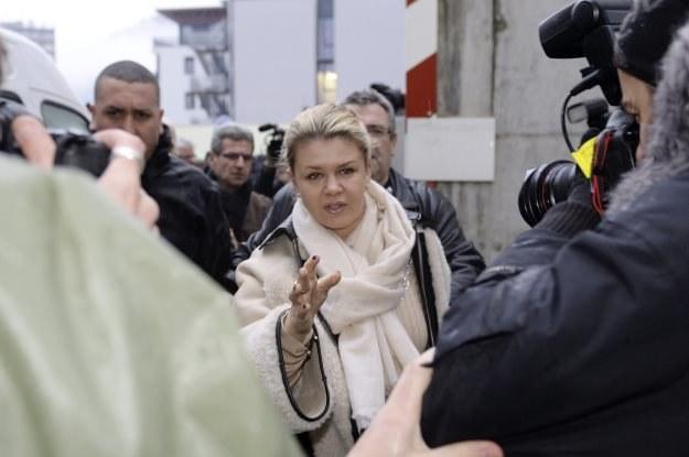 Żona Schumachera zaapelowała do dziennikarzy /AFP