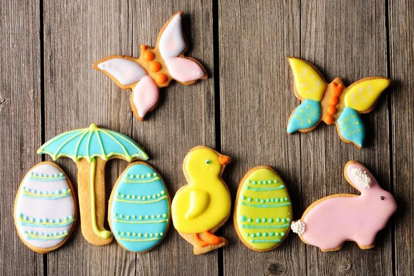 Zrób razem z dzieckiem wielkanocne ciasteczka /123RF/PICSEL