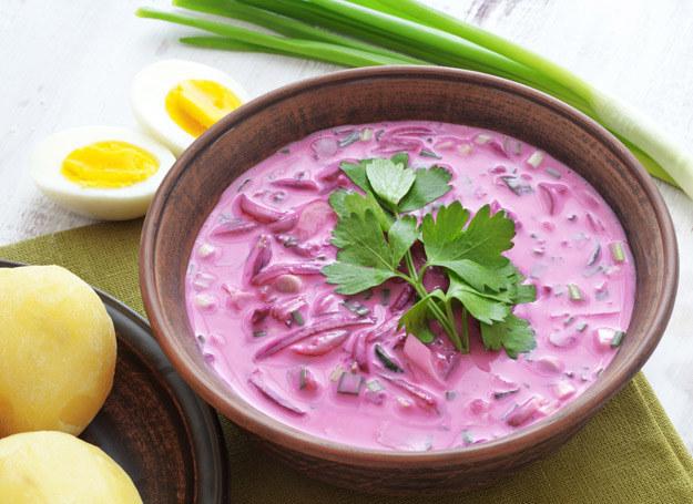 Zupa botwinkowa jest sycąca i smakuje wyśmienicie. /©123RF/PICSEL