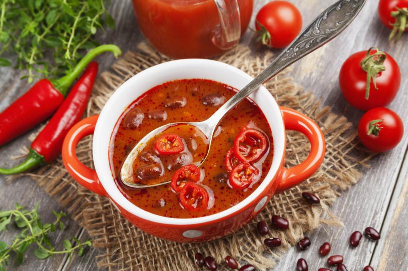 Zupa fasolowa z chili /123RF/PICSEL