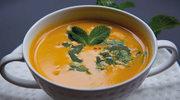 Zupa krem z marchewki z marynowanym imbirem i sałatka z krewetek