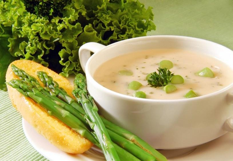 Zupa szparagowa /123RF/PICSEL