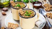 Zupa z ciecierzycy z chrupiącym dodatkiem