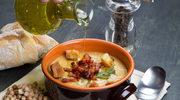 Zupa z fasolą, boczkiem, cykorią