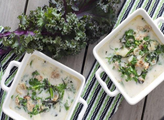 Zupa z jarmużu - smaczna, zdrowa i pełna energii /123RF/PICSEL