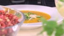 Zupa z papryki z gruszkami i cukinią