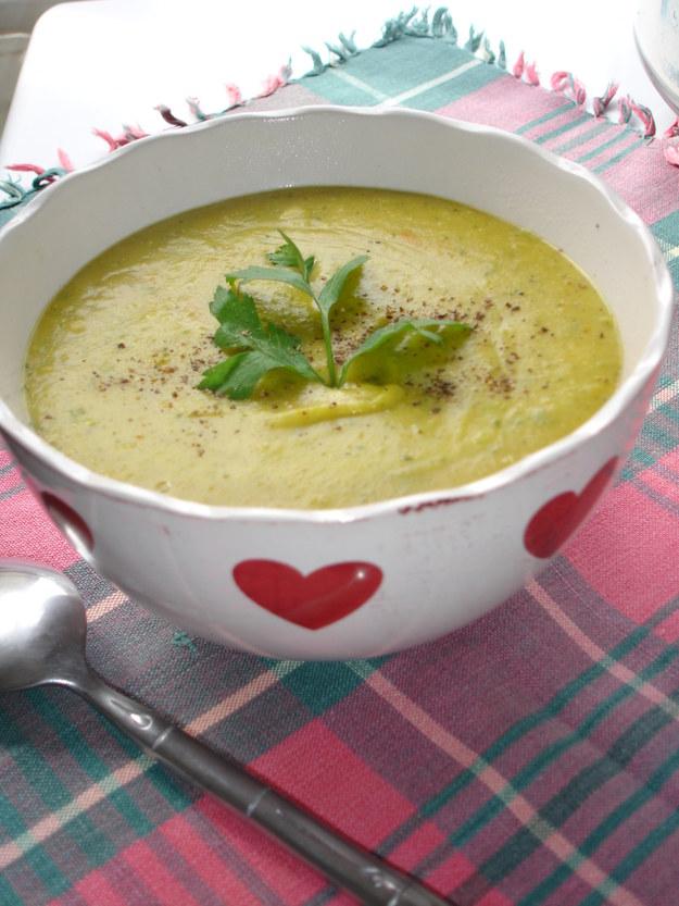 Zupa z soczewicy z kurkuma