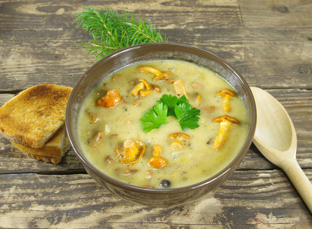 Zupa ziemniaczana z kurkami /123RF/PICSEL