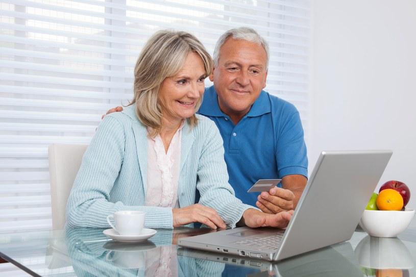 ZUS szacuje, że z prawa do emerytury od 1 października może skorzystać ponad 330 tys. osób. /123RF/PICSEL
