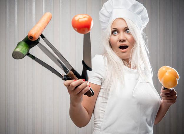 Zwalcz złe nawyki i zacznij się dobrze odżywiać /123RF/PICSEL