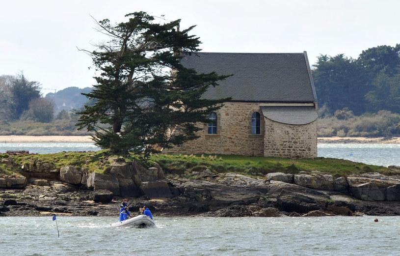 Zwłoki prawnika znaleziono niedaleko jego domu na prywatnej wyspie /AFP