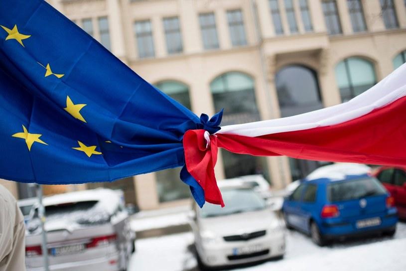 Zwolennicy KOD manifestowali także w Paryżu i Londynie /GREGOR FISCHER /PAP/EPA