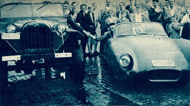 Zwycięzca i nagroda. SAM nr 19 Moldenhauera i Gawrona zdobył pierwsze miejsce — jako nagrodę konstruktorzy otrzymali samochód GAZ 67. /Motor
