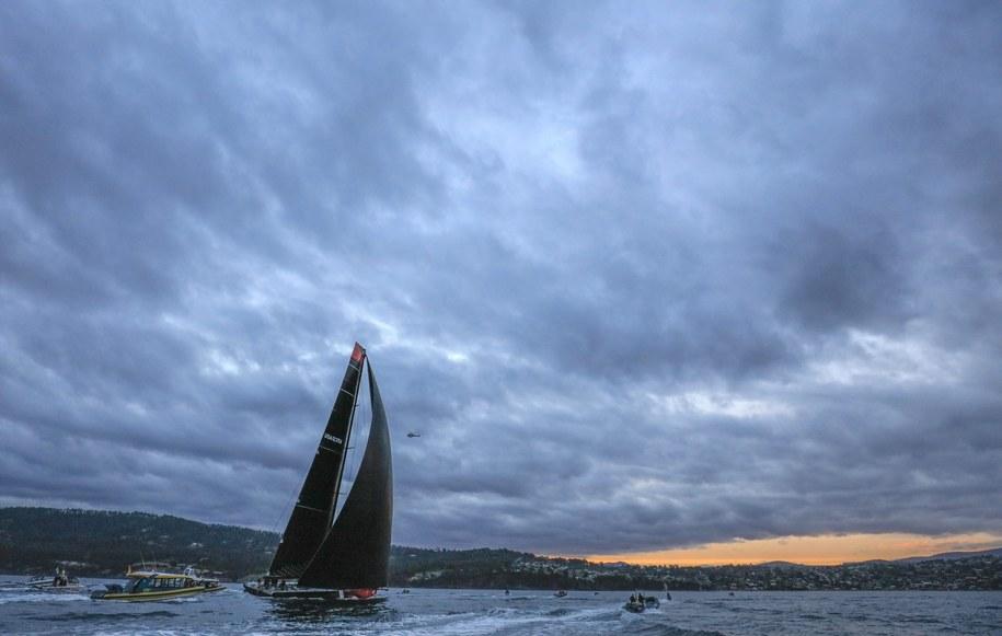 """Zwycięzca regat Sydney - Hobart, jacht """"Comanche"""" /ROB BLAKERS /PAP/EPA"""