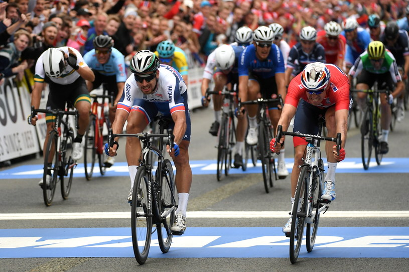 Zwycięzca Słowak Peter Sagan (C) przed Norwegiem Alexandrem Kristoffem /Bartłomiej Zborowski /PAP