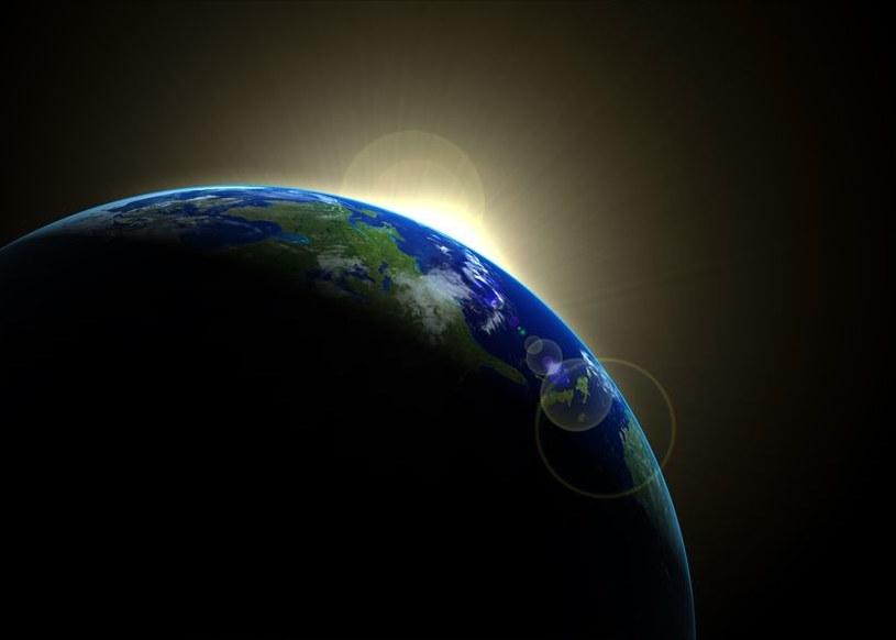 Życie na Ziemi powstało już 4,1 mld lat temu? /123RF/PICSEL