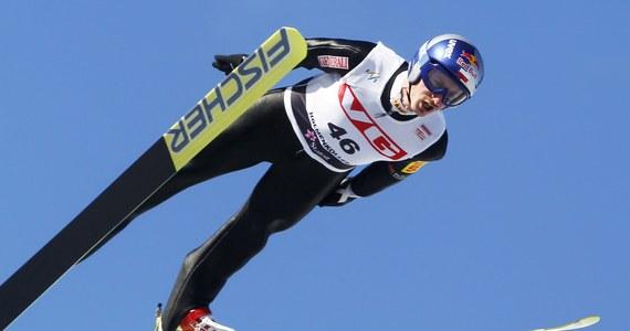 Adam Małysz zajął drugie miejsce w ostatnim w tym sezonie konkursie skoków, zaliczanym do Pucharu Świata. W drugiej serii Polak oddał skok o długości 136,5 m i awansował na podium z 13. miejsca. Wygrał Simon Ammann. Szwajcar zapewnił już sobie zwycięstwo w klasyfikacji generalnej.