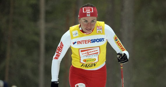 Justyna Kowalczyk znów pokonała Marit Bjoergen! Polka zwyciężyła w biegu na 2,5 km techniką klasyczną w szwedzkim Falun. Wyprzedziła Norweżkę o ponad 8 sekund. Jako trzecia na metę przybiegła reprezentantka gospodarzy Charlotte Kalla.