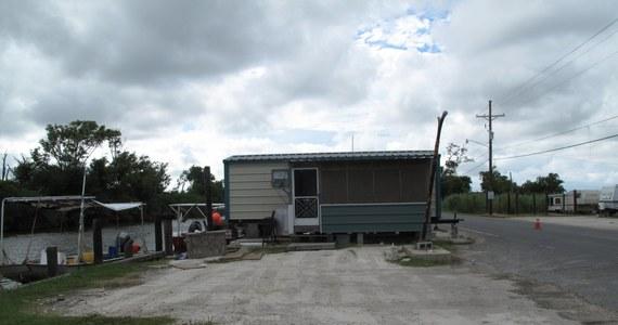 Opuszczone osiedla, zniszczone drogi czy wioski, w których zostało po kilku mieszkańców. Pięć lat po przejściu huraganu Katrina okolice Nowego Orleanu wciąż wyglądają tak, jakby żywioł pojawił się tam wczoraj.