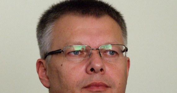 """Skala zjawiska jest niebywała, podsłuchiwano także bardzo prywatne rozmowy ks. prałata Henryka Jankowskiego. (…) Obecna prokuratura sankcjonuje ten stan. Uprzedzałem prokuratora: """"Siedzi pan na bombie"""" - mówi w Kontrwywiadzie RMF FM Janusz Kaczmarek. Żądam 5,5 mln zł za aferę przeciekową, ale jeśli Ziobro przeprosi, zrezygnuję z pieniędzy - dodaje były szef MSWiA."""