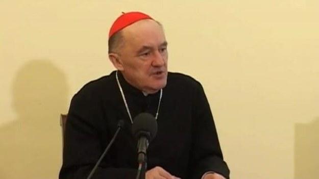 Kardynał Kazimierz Nycz przedstawił program obchodów beatyfikacji w Warszawie. W niedzielę, 1 maja, warszawiacy będą mogli m.in. oglądać transmisję z Rzymu na 3 telebimach.