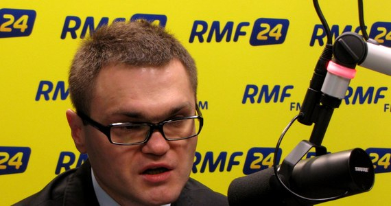 """""""Nie wybieram się do Rosji, obawiam się o swoje życie i zdrowie"""" - powiedział Rafał Rogalski w Kontrwywiadzie RMF FM. """"Nie mam na to żadnych dowodów, ale z ostrożności raczej tam się nie wybieram"""" - podkreślił odpowiadając na pytanie, czy pełnomocnicy rodzin będą chcieli uczestniczyć w badaniach wraku Tu-154."""