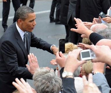 Tak, na bieżąco - to historyczne wydarzenie, Tak, znajdę chwilę na sprawdzenie relacji ze spotkań z przywódcą USA , Nie, i tak podczas tej wizyty nie padną ważne deklaracje , Nie, nie interesuje mnie polityka