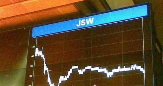 Akcje Jastrzębskiej Spółki Węglowej na razie opierają się panice na światowych rynkach. Spółka debiutowała na parkiecie w Warszawie dokładnie tydzień temu. Ci, którzy wciąż mają pakiet 75 akcji, dzisiaj zarobili 350 złotych.