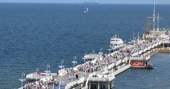 Molo w Sopocie, ruchome wydmy w Łebie i zamek krzyżacki w Malborku - to tylko niektóre atrakcje województwa pomorskiego. W tym regionie żaden turysta nie może się nudzić. Dziś wspólnie wybieramy największą atrakcję turystyczną Pomorza. Która z propozycji zasługuje Twoim zdaniem na miano przeboju? Głosuj w sondzie!