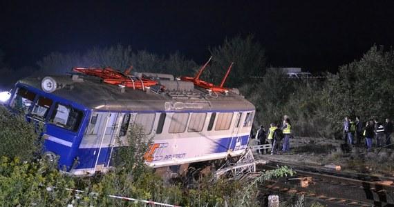 1 osoba zginęła, a kilkadziesiąt zostało rannych po wykolejeniu się pociągu w Babach koło Piotrkowa Trybunalskiego. Stan 6 osób jest ciężki. Na razie nie wiadomo, co było przyczyną katastrofy. Niebawem ma rozpocząć się akcja podnoszenia jednego z przewróconych wagonów.