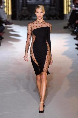 Авторский комментарий: Модные платья - это элегантные.
