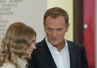 Premier Tusk z rodziną u urny