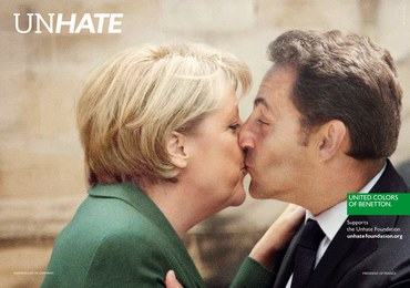 """""""Gorące"""" pocałunki polityków. Zobacz kontrowersyjną kampanię Benettona"""