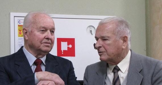 """Generał Czesław Kiszczak poprosił przed sądem o nieskazywanie go w procesie autorów stanu wojennego. W ostatnim słowie powiedział, że sprawę jego odpowiedzialności za stan wojenny definitywnie zakończyło umorzenie w 1996 roku przez Sejm kwestii odpowiedzialności konstytucyjnej. """"Nie ma żadnych dowodów, które uzasadniałyby ten proces"""" - podkreślił."""