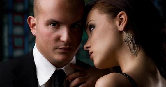 Poli żonaty i randki