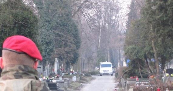 Na Cmentarzu Rakowickim w Krakowie przeprowadzono ekshumację Janusza Kurtyki. Cmentarz przez klika godzin był zamknięty, wejść pilnowała żandarmeria wojskowa. Powtórne badania zwłok zarządziła Prokuratura Wojskowa mimo sprzeciwu Zuzanny Kurtyki - żony zmarłego.