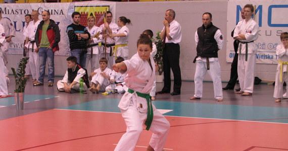 Ponad 200 najlepszych zawodników walczyło w Mistrzostwach Polski Oyama Karate w Olkuszu. Impreza została zorganizowana już po raz 18. Był to najważniejszy sprawdzian dla osób uprawiających ten wschodni sport walki.