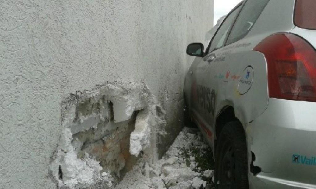 W żabowie Zanim Auto Zniszczyło ścianę Sklepu Uderzyło W