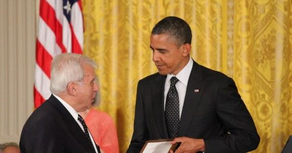 """Uroczystość przyznania Prezydenckiego Medalu Wolności Janowi Karskiemu zakończyła się skandalem. Podczas odbywającej się w Białym Domu gali, na której wręczano to najwyższe w USA cywilne odznaczenie państwowe, Barack Obama użył określenia """"polski obóz śmierci""""."""