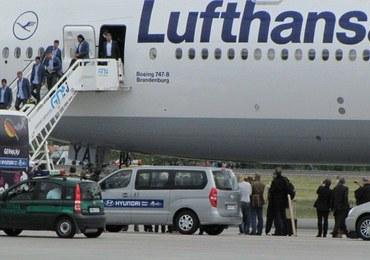 Niemieccy piłkarze przylecieli do Gdańska niezwykłym samolotem