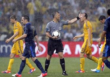 Oberwanie chmury na stadionem w Doniecku, sędzia przerwał mecz