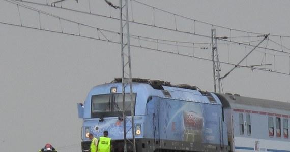 Tragiczny wypadek na torach w Wielkopolsce. Pod Wrześnią pociąg potrącił dwóch pracowników kolei. Obaj zginęli.