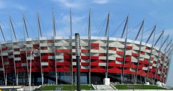Odwołano otwartą sprzedaż biletów na mecz Polska-Anglia, który 16 października zostanie rozegrany na Stadionie Narodowym w Warszawie. Niespełna 30 tys. wejściówek kupili w internetowej przedsprzedaży posiadacze kart kibica reprezentacji. Pozostałe bilety PZPN zarezerwował dla sponsorów i działaczy.