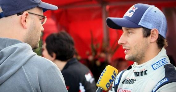 Michał Kościuszko uszkodził auto na 10. odcinku specjalnym Rajdu Polski i tym samym odpadł z dalszej rywalizacji. Teraz w turnieju coraz wyraźniej prowadzi Esapekka Lappi. Fiński kierowca wygrał wszystkie dzisiejsze OS-y.