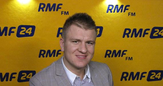 Roonie O'Sullivan będzie największą gwiazdą turnieju snookerowego Hot Shots Masters, który odbędzie się 10 listopada w Zielonej Górze. Z pomysłodawcą zawodów – Marcinem Nitschke – rozmawiał Patryk Serwański z redakcji sportowej RMF FM.