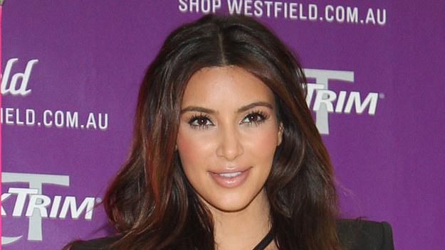 """(ur. 1980) - amerykańska celebrytka, gwiazda  reality show """"Z kamerą u Kardashianów"""". Zyskała uwagę mediów dzięki przyjaźni z Paris Hilton."""