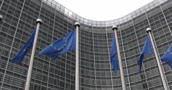 Komisja Europejska żąda 85 tysięcy euro dziennej kary dla Polski za niedostosowanie przepisów liberalizujących rynek elektryczności - dowiedziała się nieoficjalnie dziennikarka RMF FM Katarzyna Szymańska-Borginon. To już kolejna kara, której żąda Bruksela.