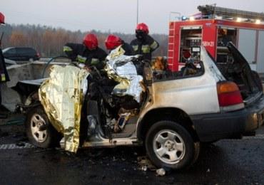Tragiczny wypadek na A2, 3 osoby nie żyją